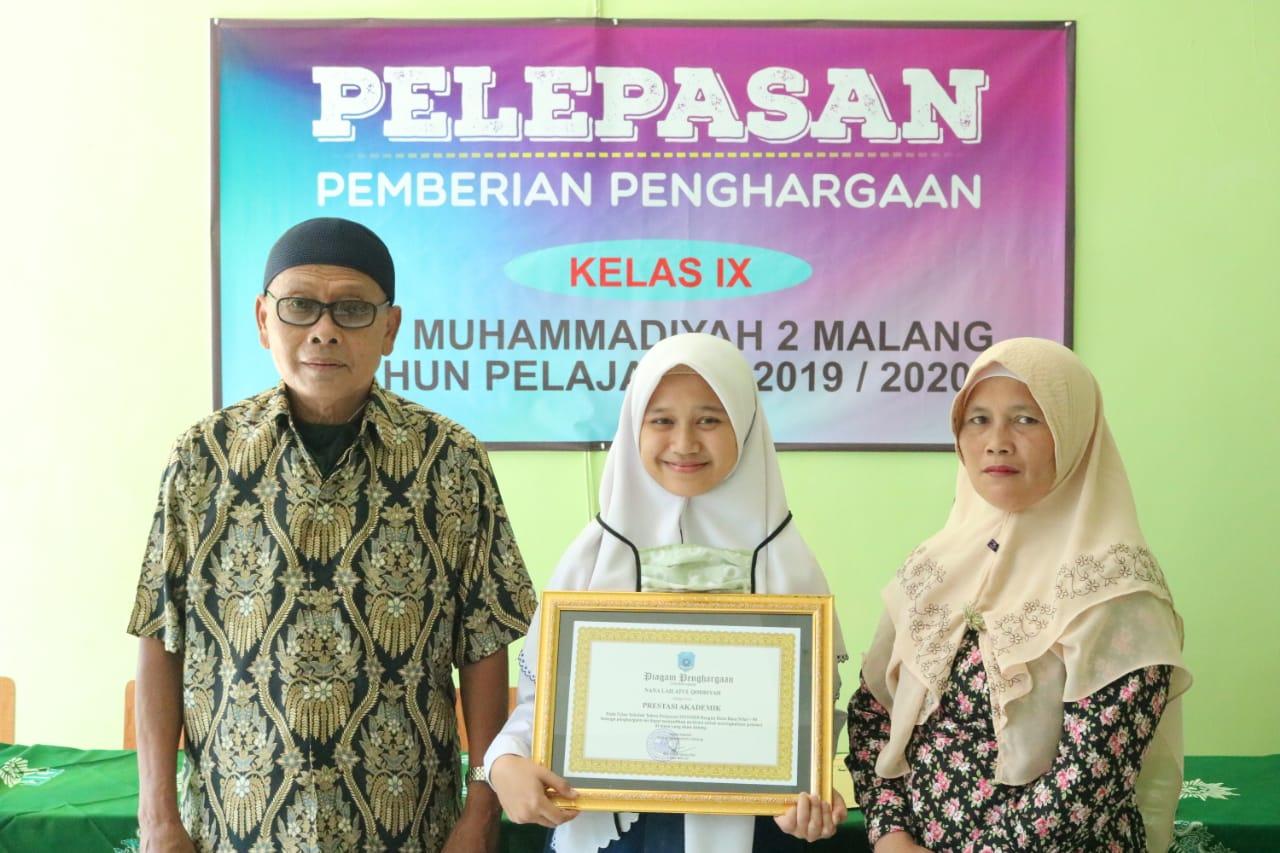Sederhana Penuh Makna, 5 Siswa Prestasi SMP Muda Raih Penghargaan